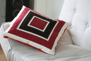 log-cabin pillow 2