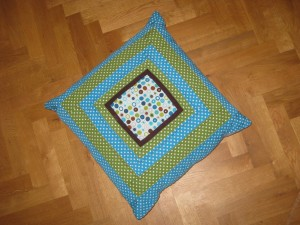 log-cabin pillow 3